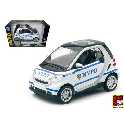 New Ray Smart For Two NYPD Wit 1:24